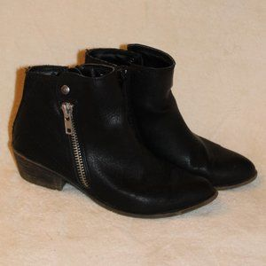 Madden Girl 6.5 Black Bootie Hysteric